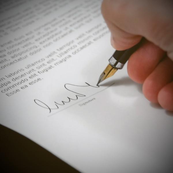 sign shareholders agreement